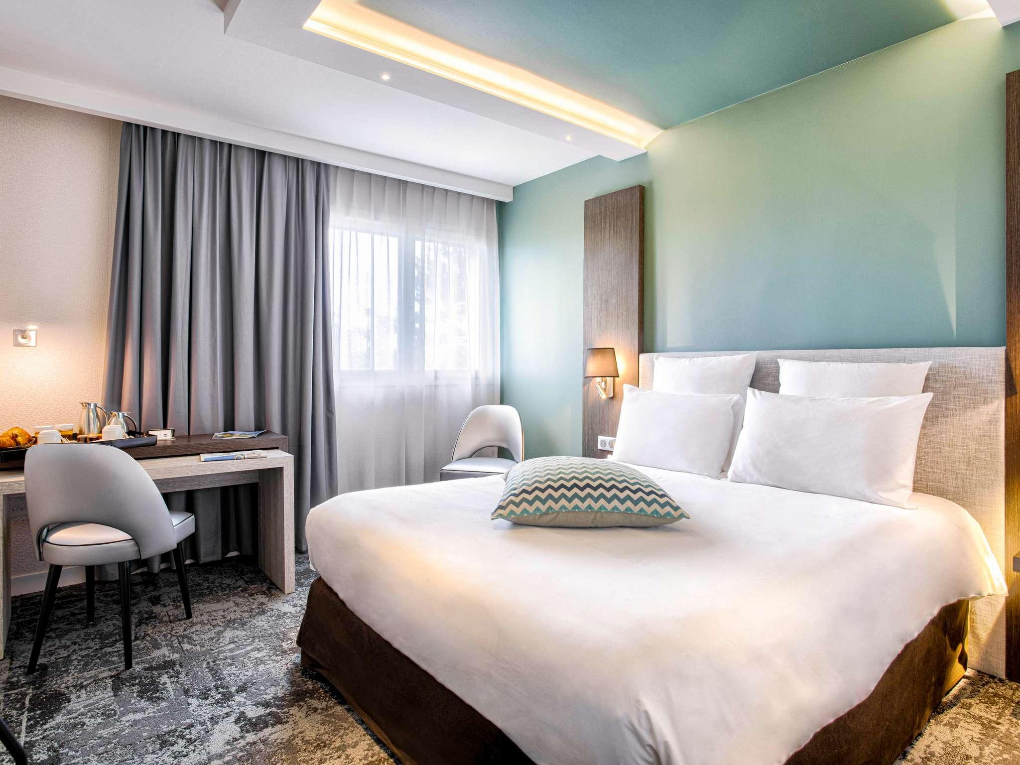 Отель — Hôtel Mercure Cabourg Hippodrome