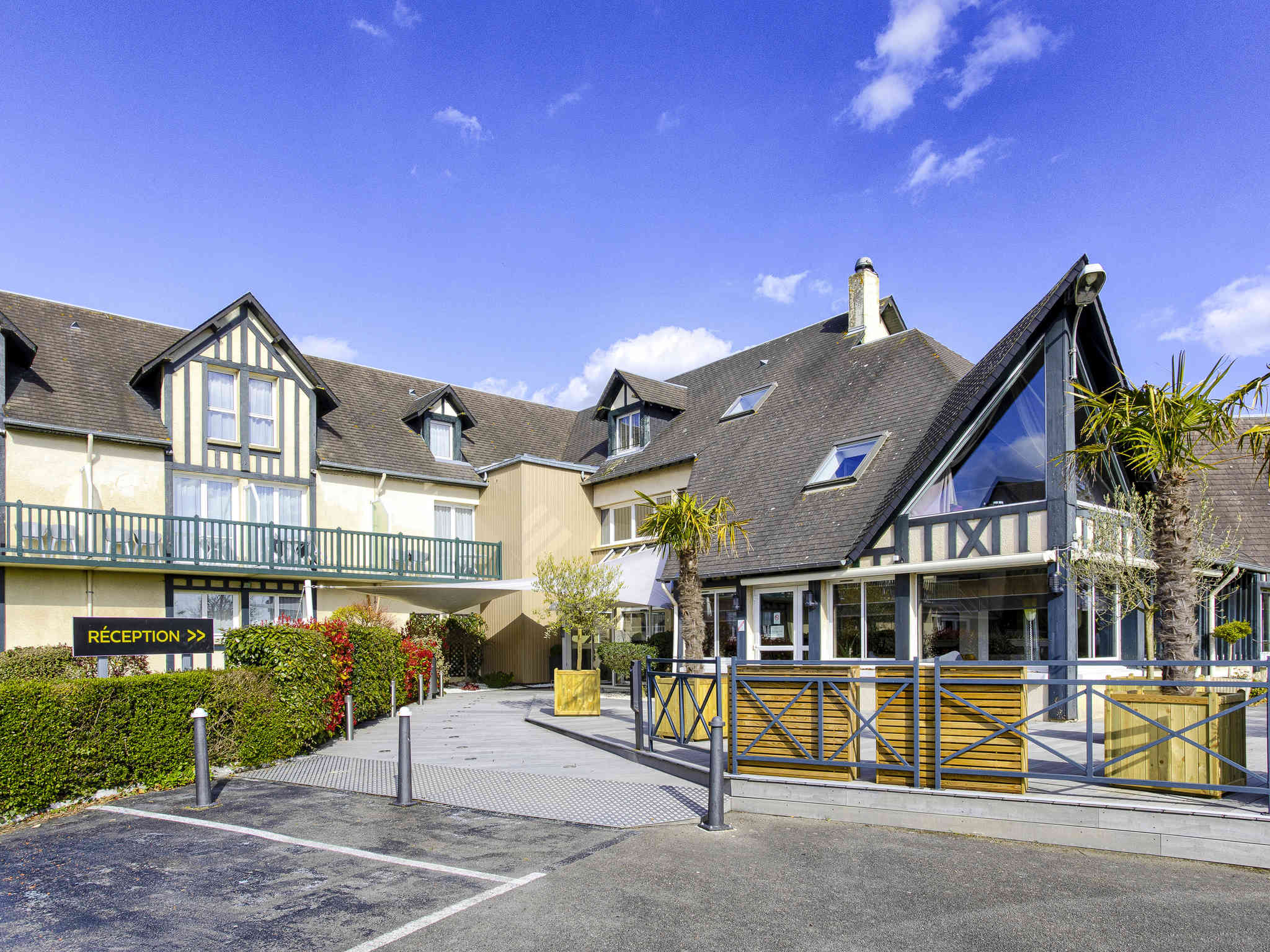 Hotell – Hôtel Mercure Cabourg Hippodrome