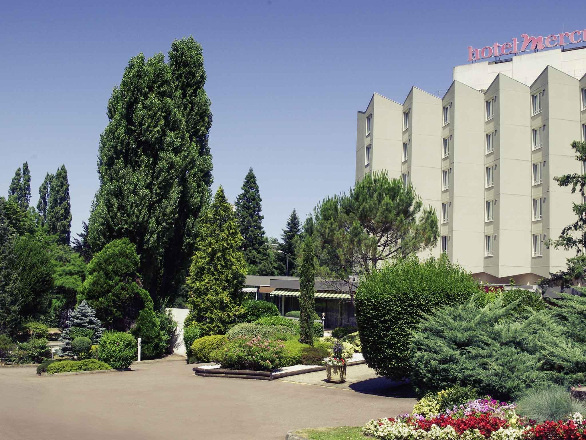 Отель — Hôtel Mercure Saint-Étienne Parc de l'Europe