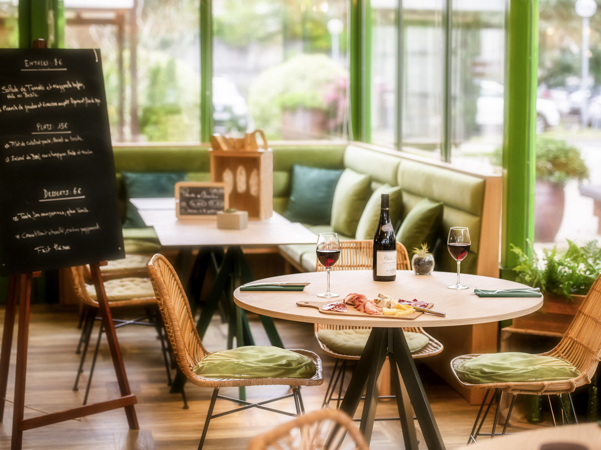 Restaurant Le Plaisir Des Sens Niort hotel in niort - mercure niort marais poitevin hotel