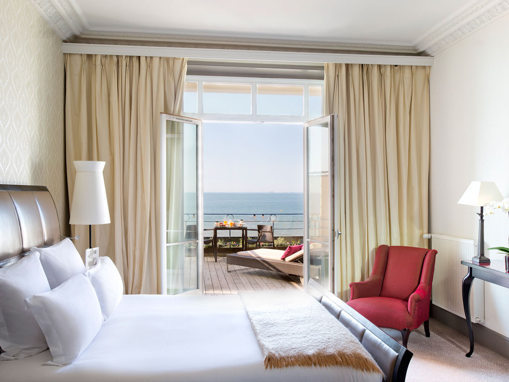 Hotel de luxe cabourg le grand h tel cabourg mgallery for Chambre hote cabourg