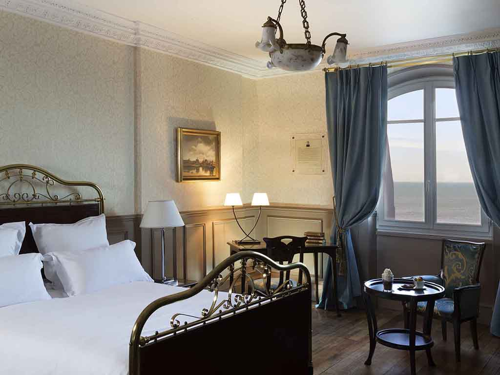 H tel cabourg le grand h tel cabourg mgallery by sofitel for Chambre 414 grand hotel cabourg
