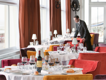 Restauracja - Le Grand Hotel Cabourg - MGallery Collection