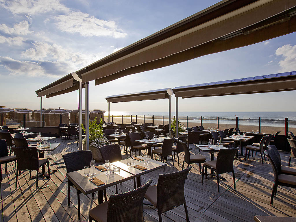la plage cabourg restaurants by accorhotels. Black Bedroom Furniture Sets. Home Design Ideas