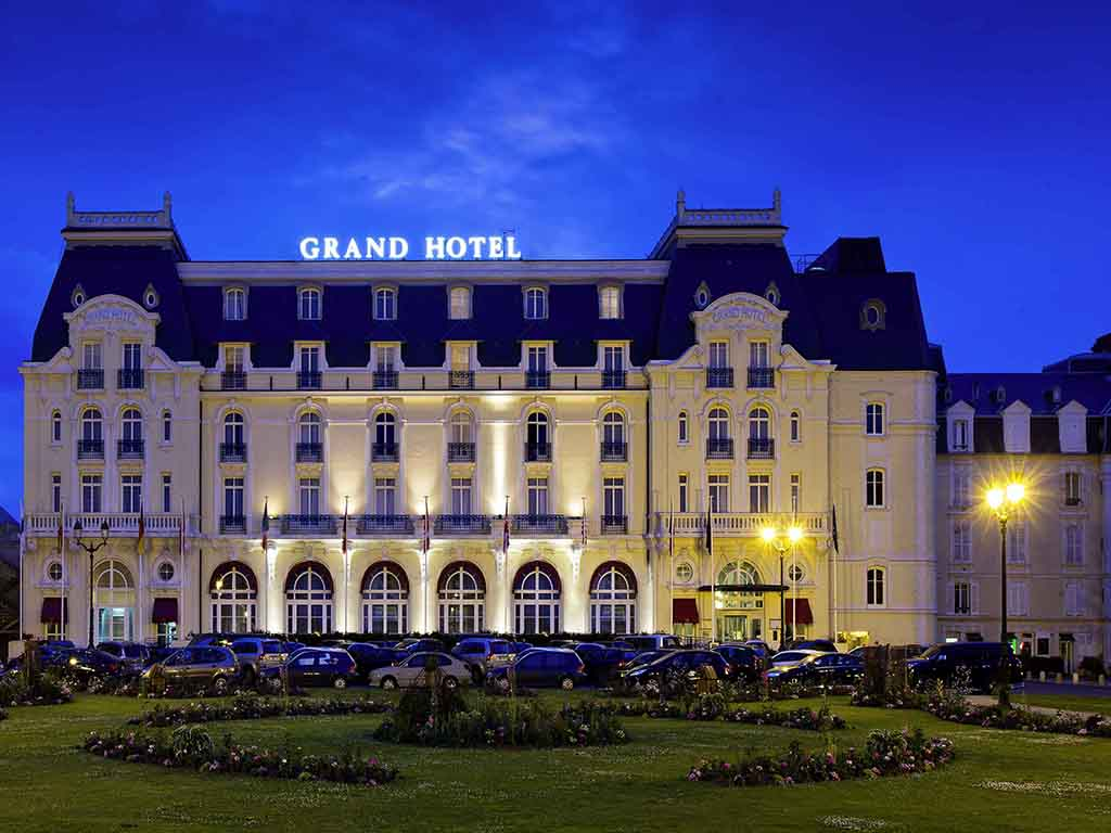 hotel de luxe cabourg le grand h tel cabourg mgallery by sofitel. Black Bedroom Furniture Sets. Home Design Ideas