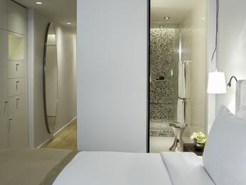 chambres en h tel de luxe paris sofitel paris arc de triomphe. Black Bedroom Furniture Sets. Home Design Ideas