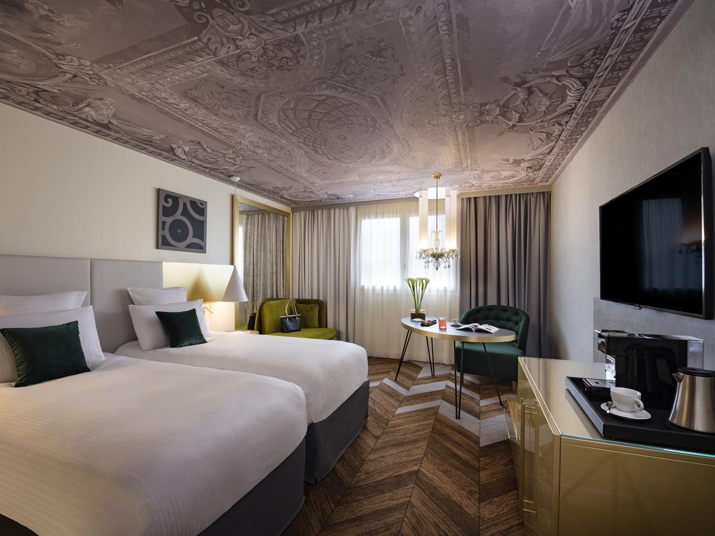 chambres suites pullman ch teau de versailles. Black Bedroom Furniture Sets. Home Design Ideas