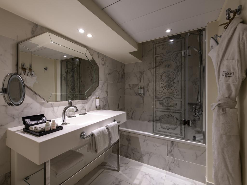 Hotel De Luxe VERSAILLES Htel Le Louis Versailles Chteau