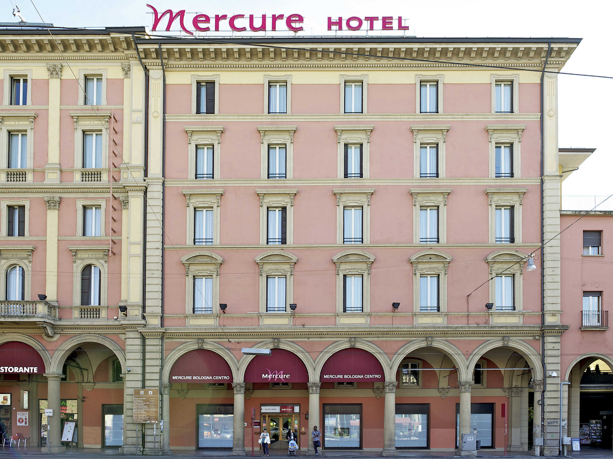 호텔 – Mercure Bologna Centro