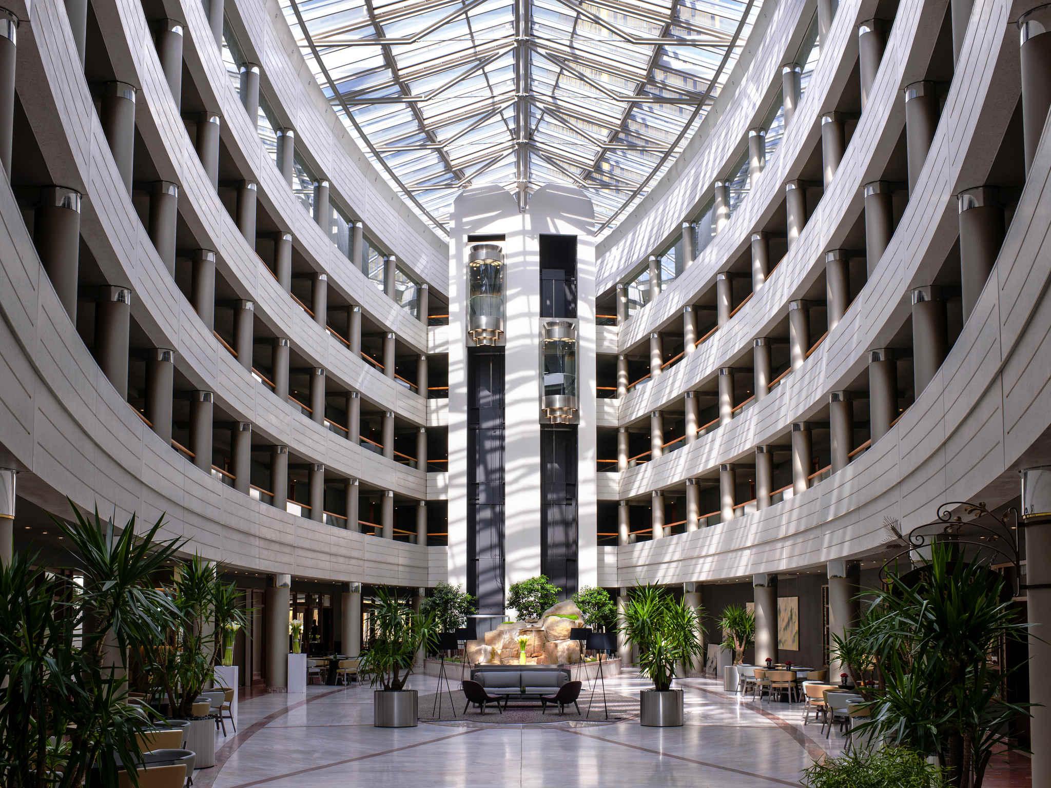 โรงแรม – Sofitel Luxembourg Europe