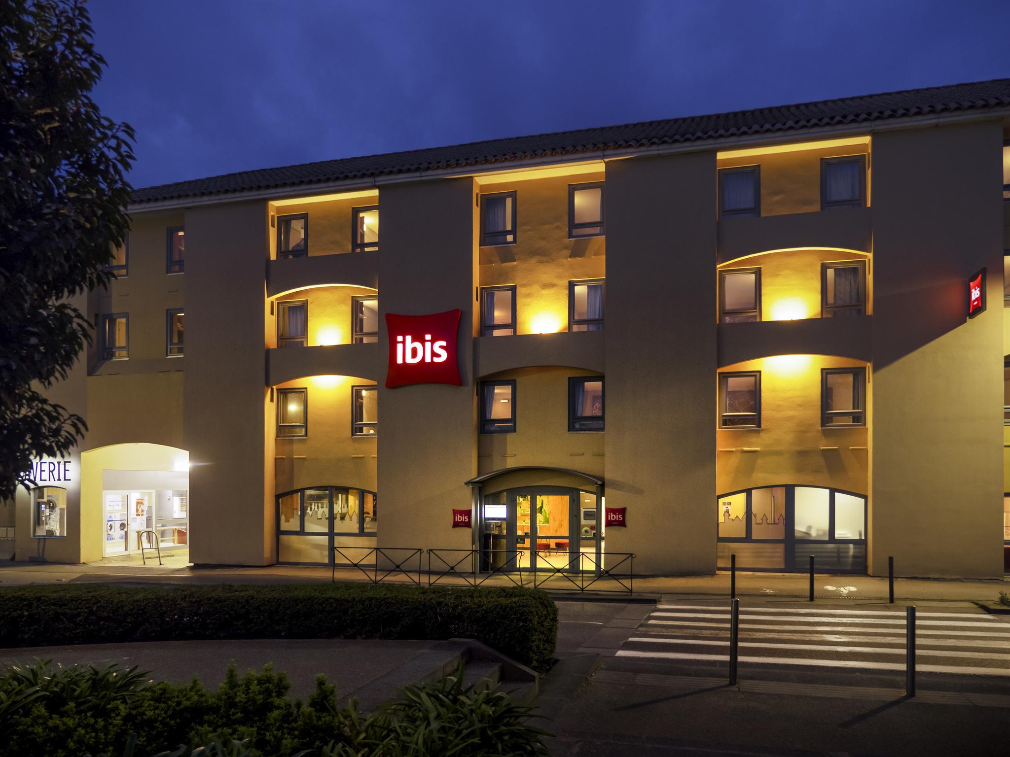 Otel – ibis Carcassonne Centre La Cité