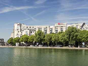 巴黎LA VILLETTE 科学城宜必思酒店