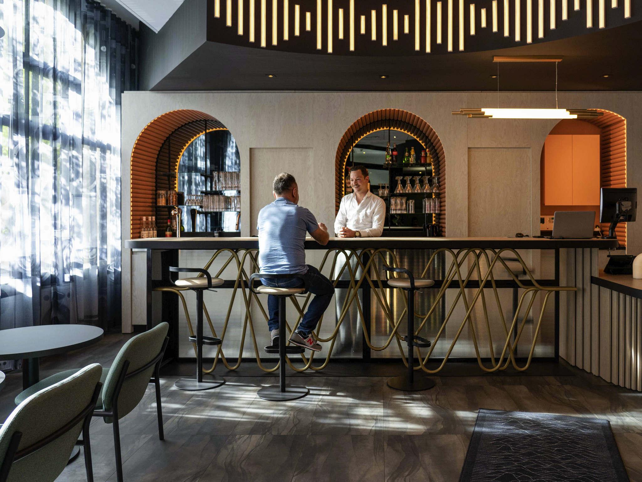 Отель — ibis Париж Порт де Версаль Мэри-д'Исси
