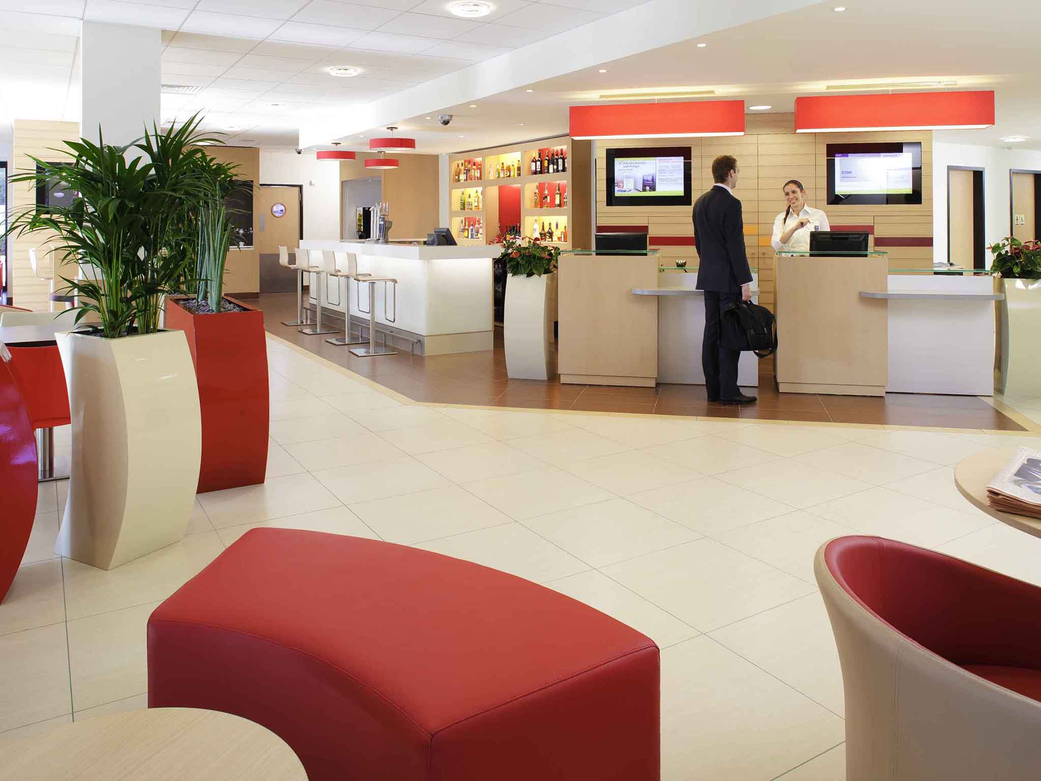 Hotell – ibis Nord Sarcelles
