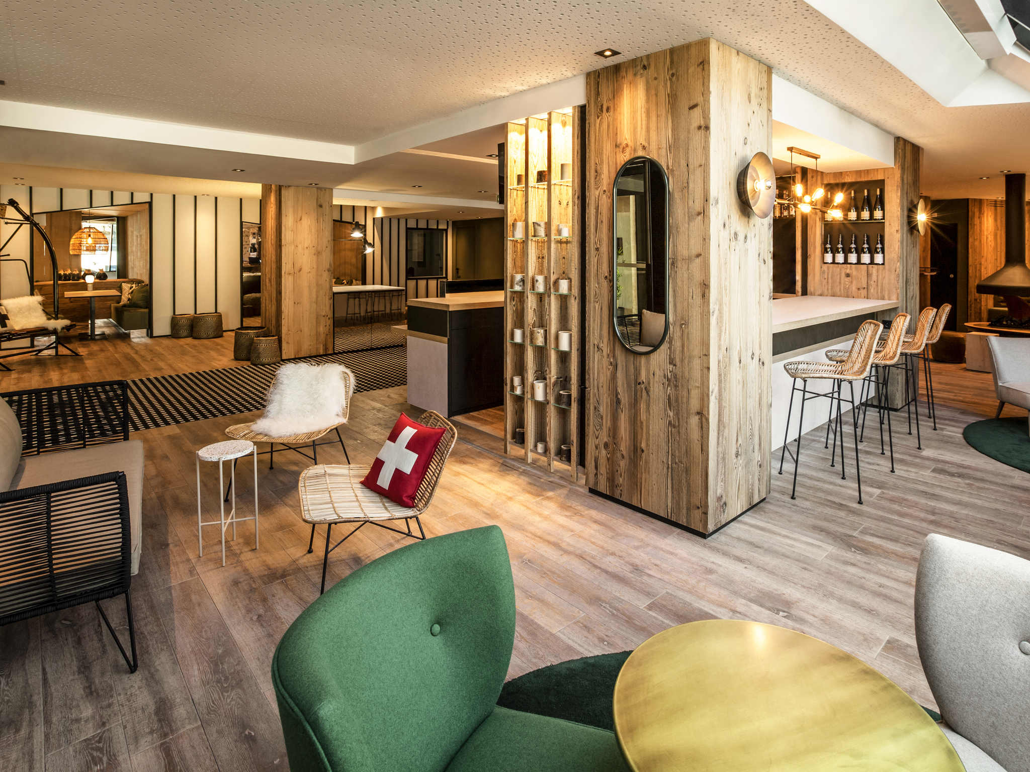 Отель — Hôtel Mercure Chambéry Centre