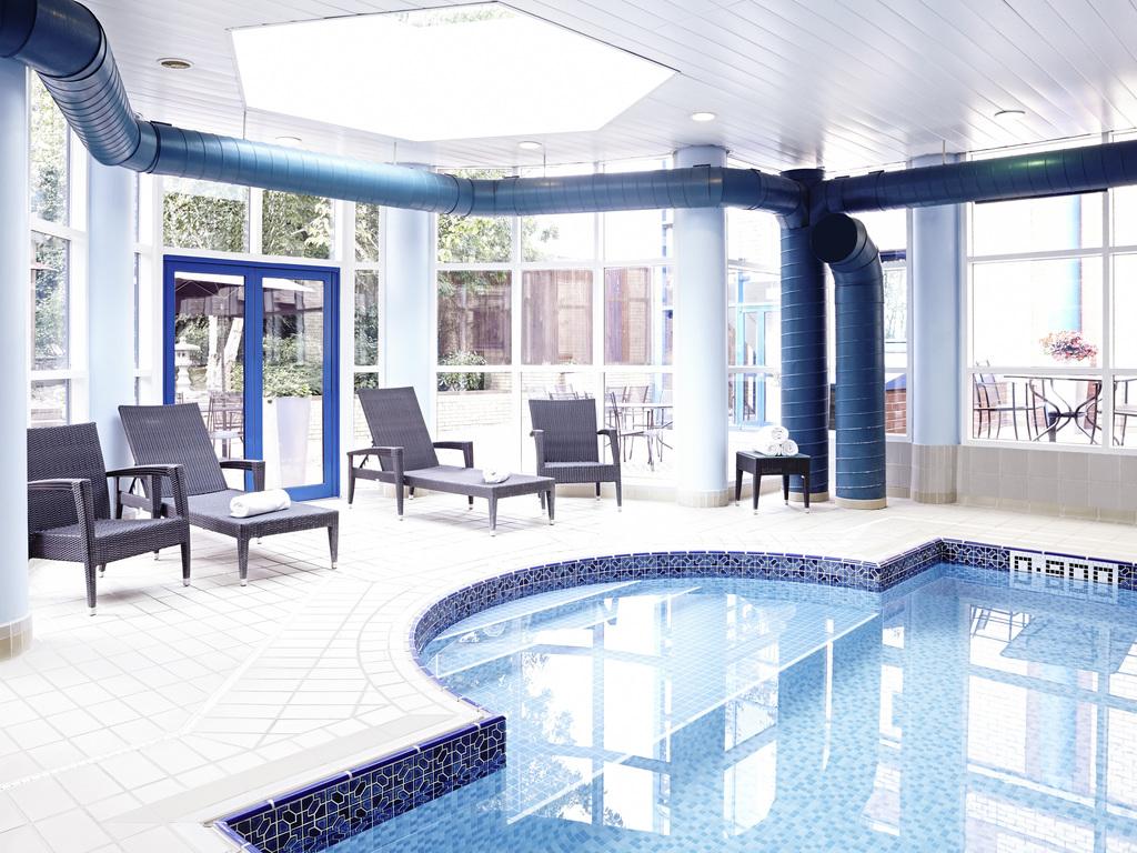 hotel heathrow novotel london heathrow airport m4 jct 4. Black Bedroom Furniture Sets. Home Design Ideas