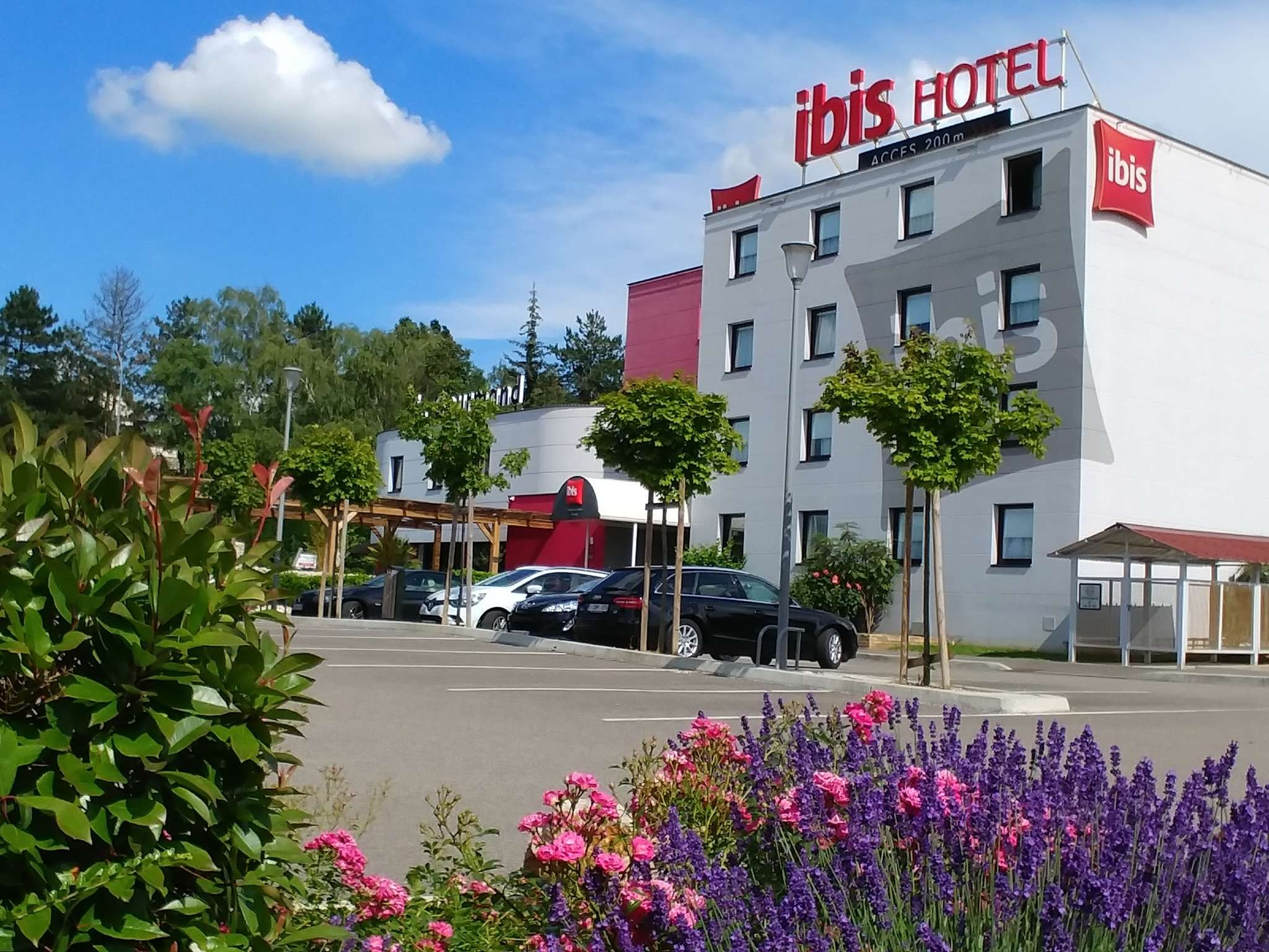 Hotel in chalon sur saone ibis chalon sur saone europe for Hotels ibis france