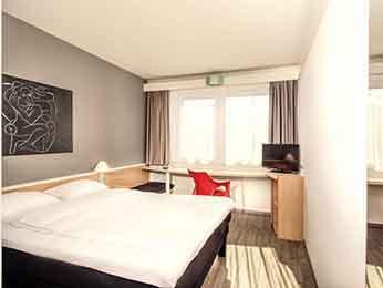 Asa airport hotel berlin tegel shuttle for Berlin tegel rent a car