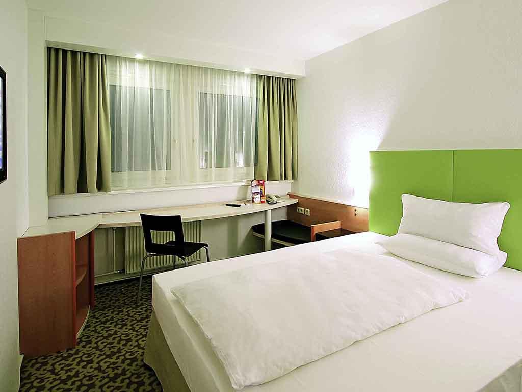 hotel in dresden ibis hotel dresden bastei online buchen. Black Bedroom Furniture Sets. Home Design Ideas