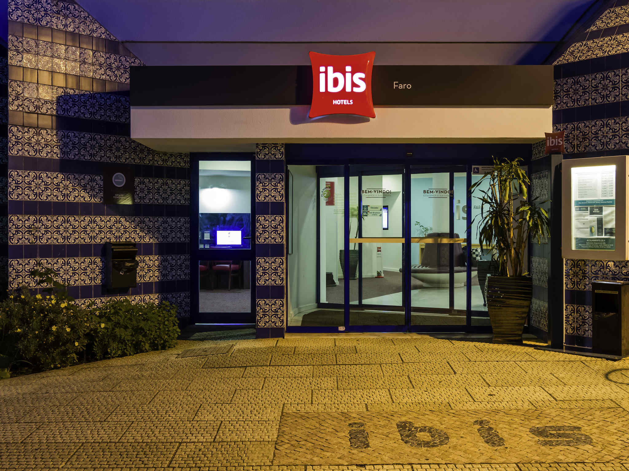 ibis portugal mapa ibis Faro is a hotel near the beaches of the Algarve ibis portugal mapa