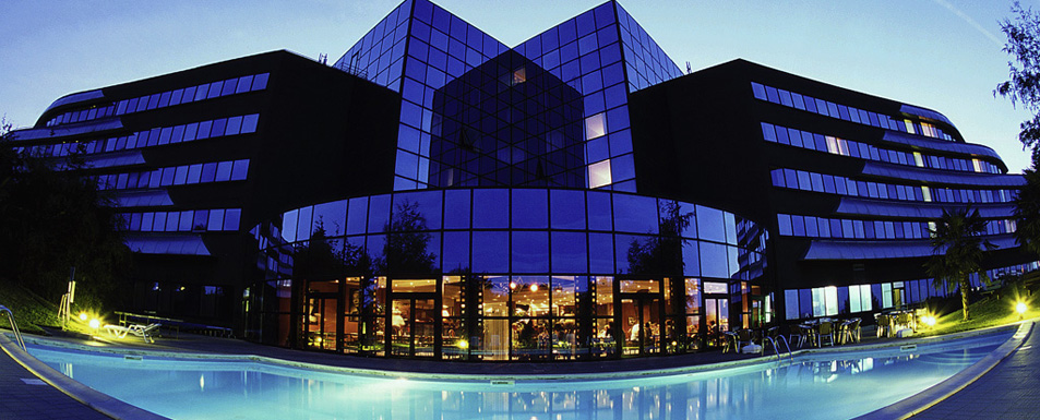 hotel chasseneuil du poitou novotel poitiers site du futuroscope. Black Bedroom Furniture Sets. Home Design Ideas