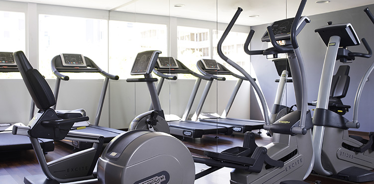 Golf fitness amenities pullman madrid airport feria - Best cardio equipment for small spaces property ...