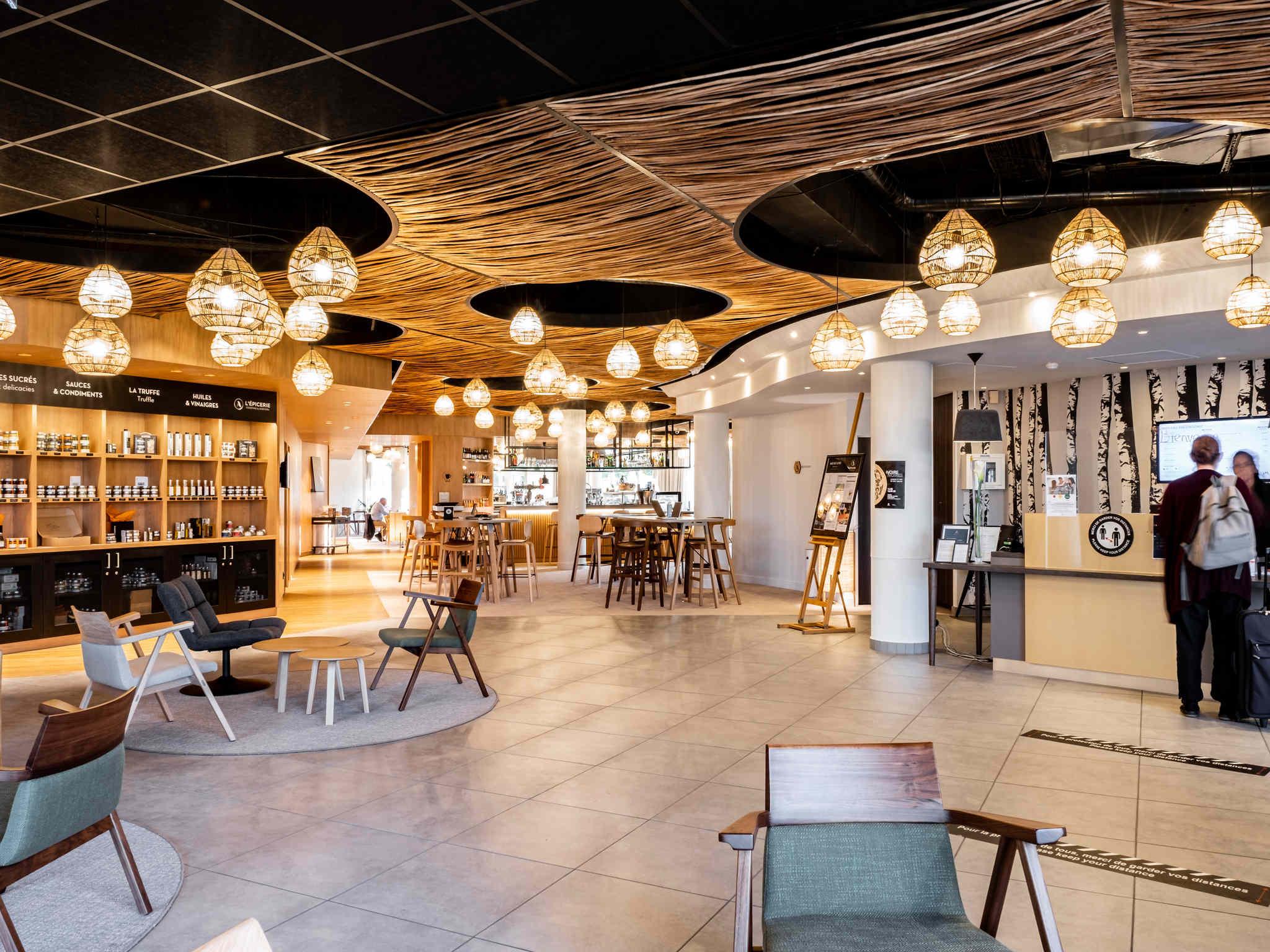 hotel in lacroix saint ouen mercure compi gne sud hotel. Black Bedroom Furniture Sets. Home Design Ideas