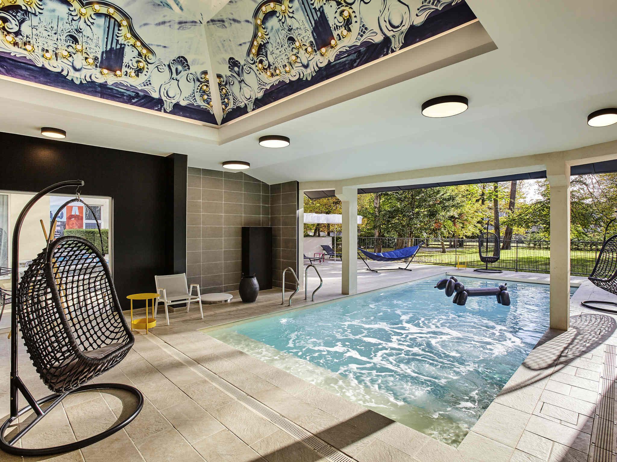 Hotel in fontainebleau mercure ch teau de fontainebleau for Hotel fontainebleau france