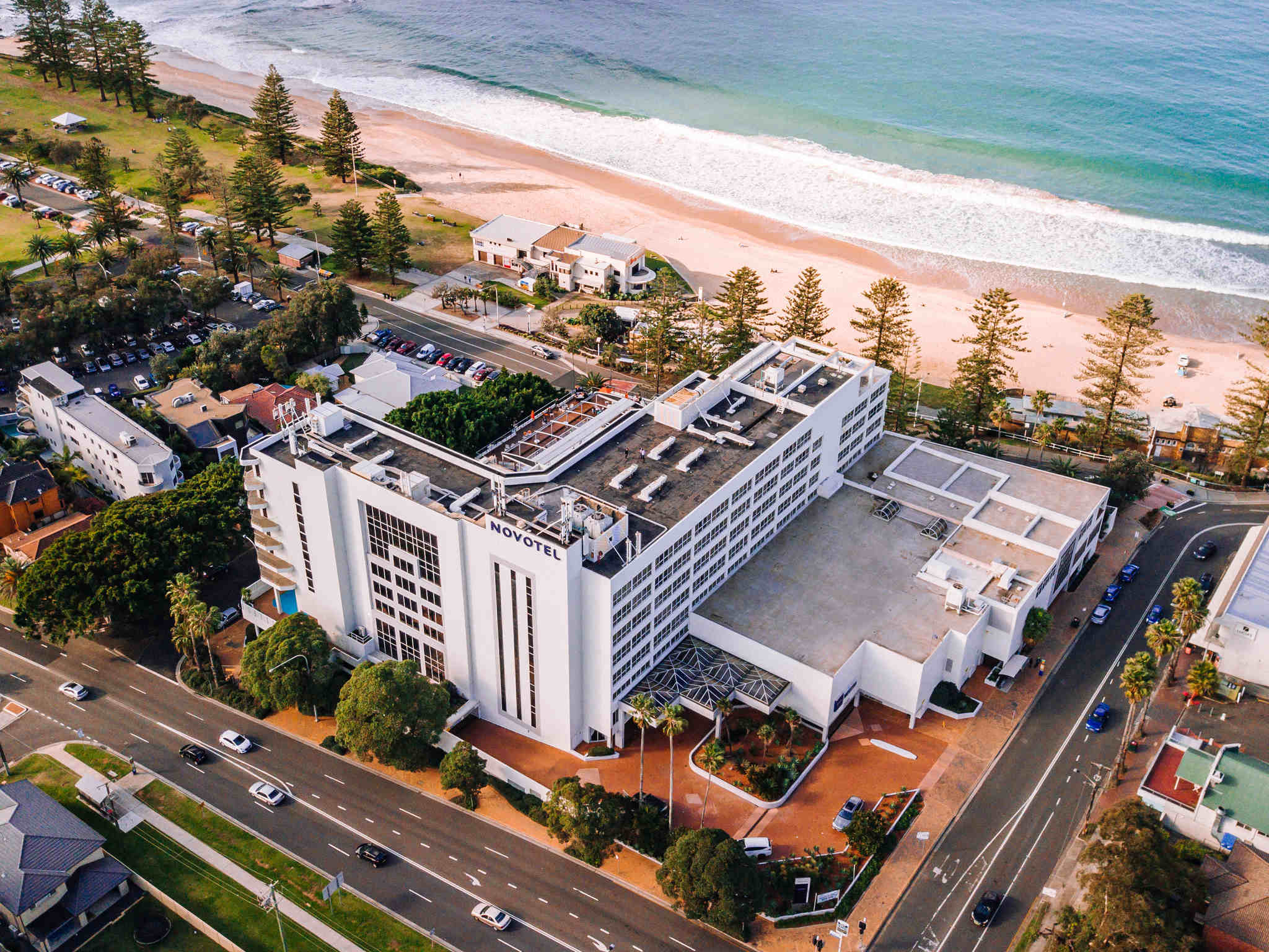 โรงแรม – Novotel Wollongong Northbeach