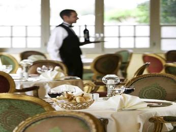 Haute cuisine hotel restaurants in luxor sofitel winter palace luxor - Restaurant la coorniche ...
