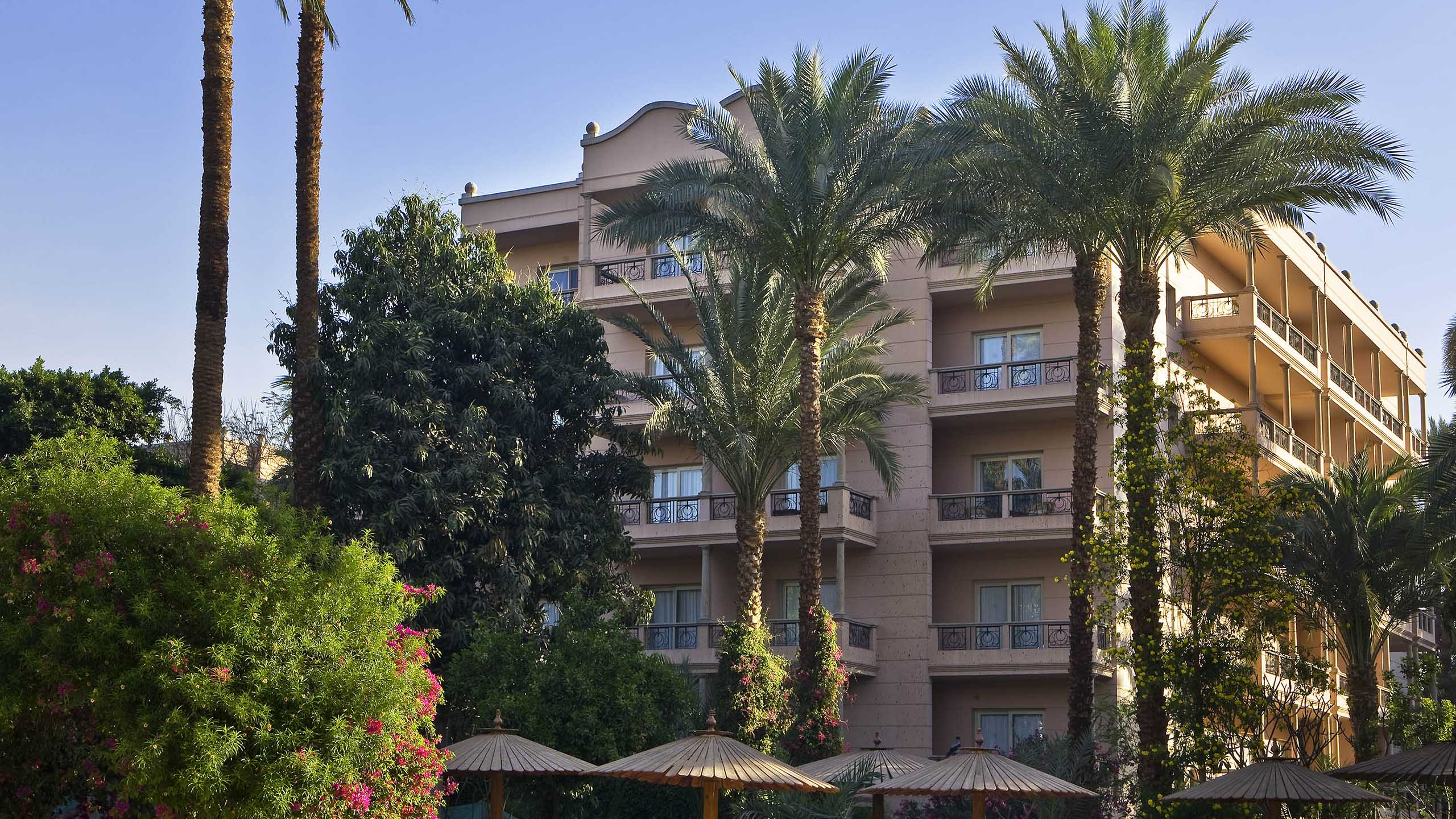 Luxury hotel LUXOR – Pavillon Winter Luxor