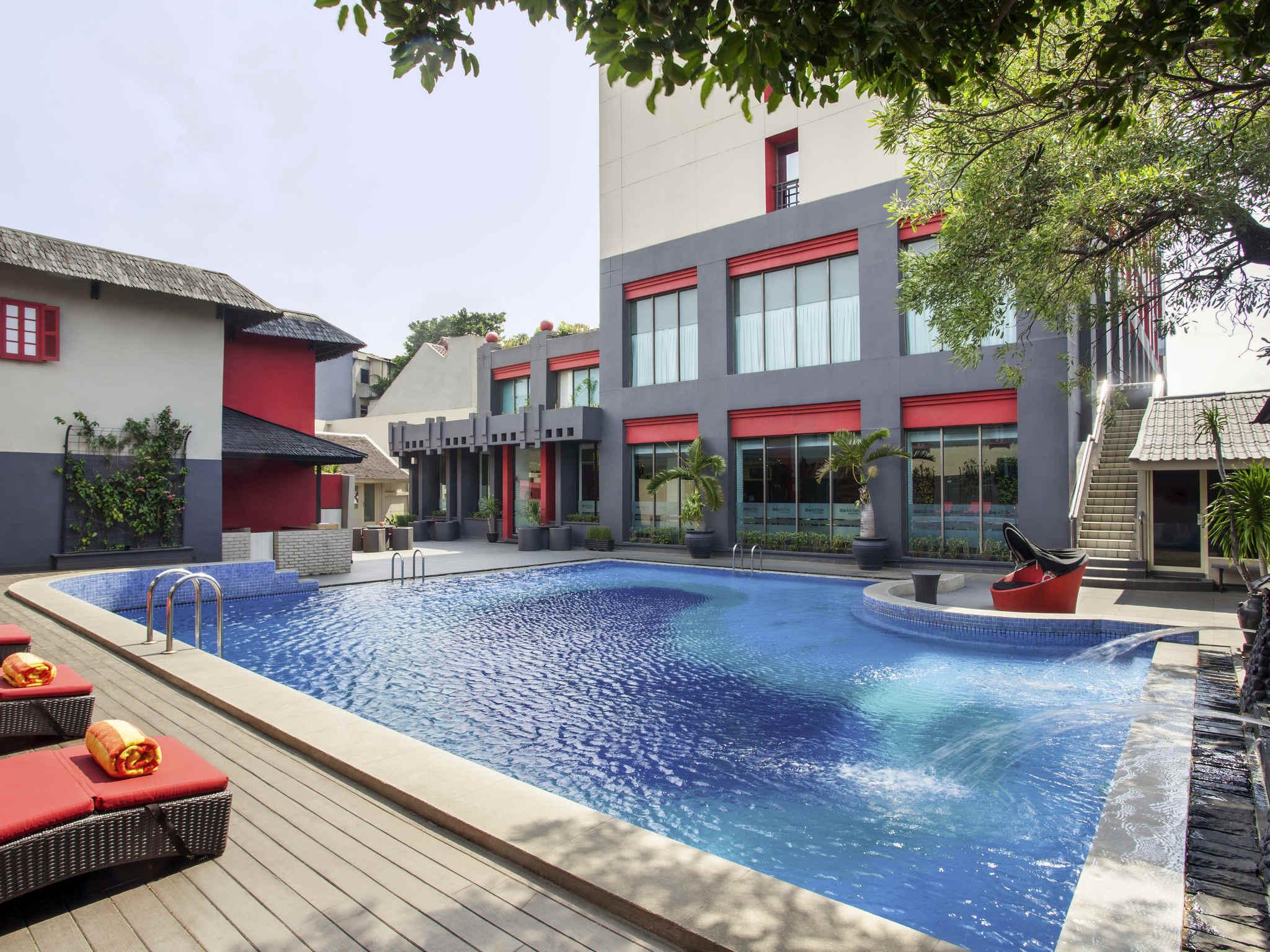 Отель — ibis Jakarta Kemayoran
