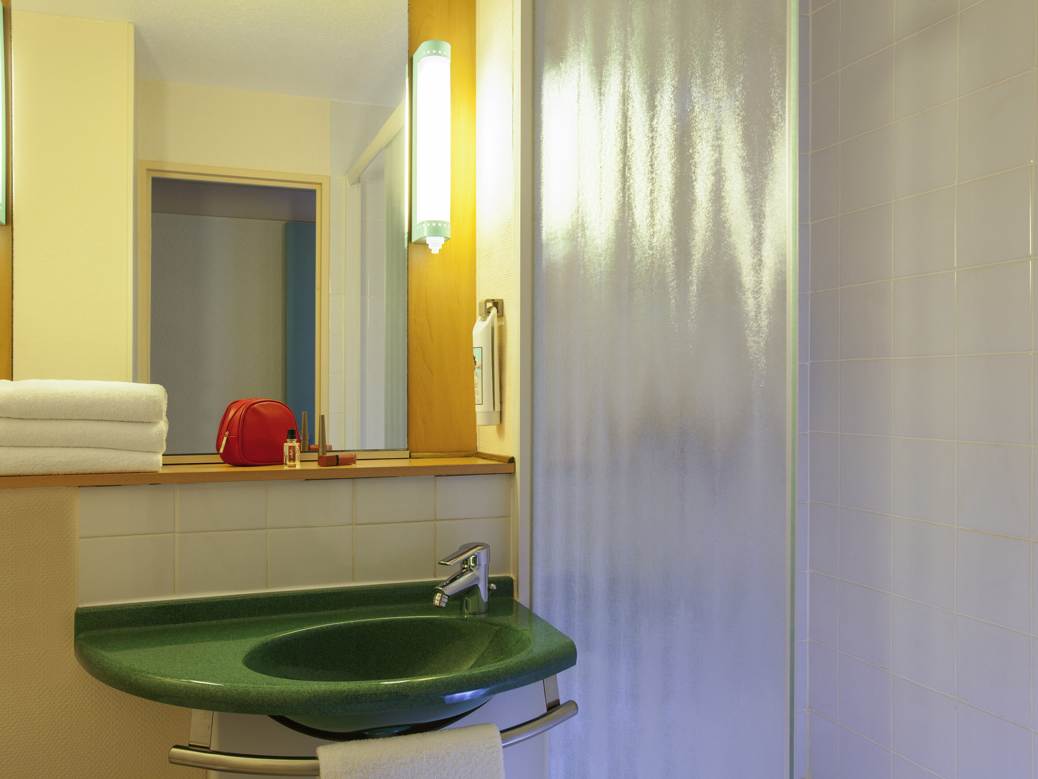Hotel Ibis Jouy En Josas