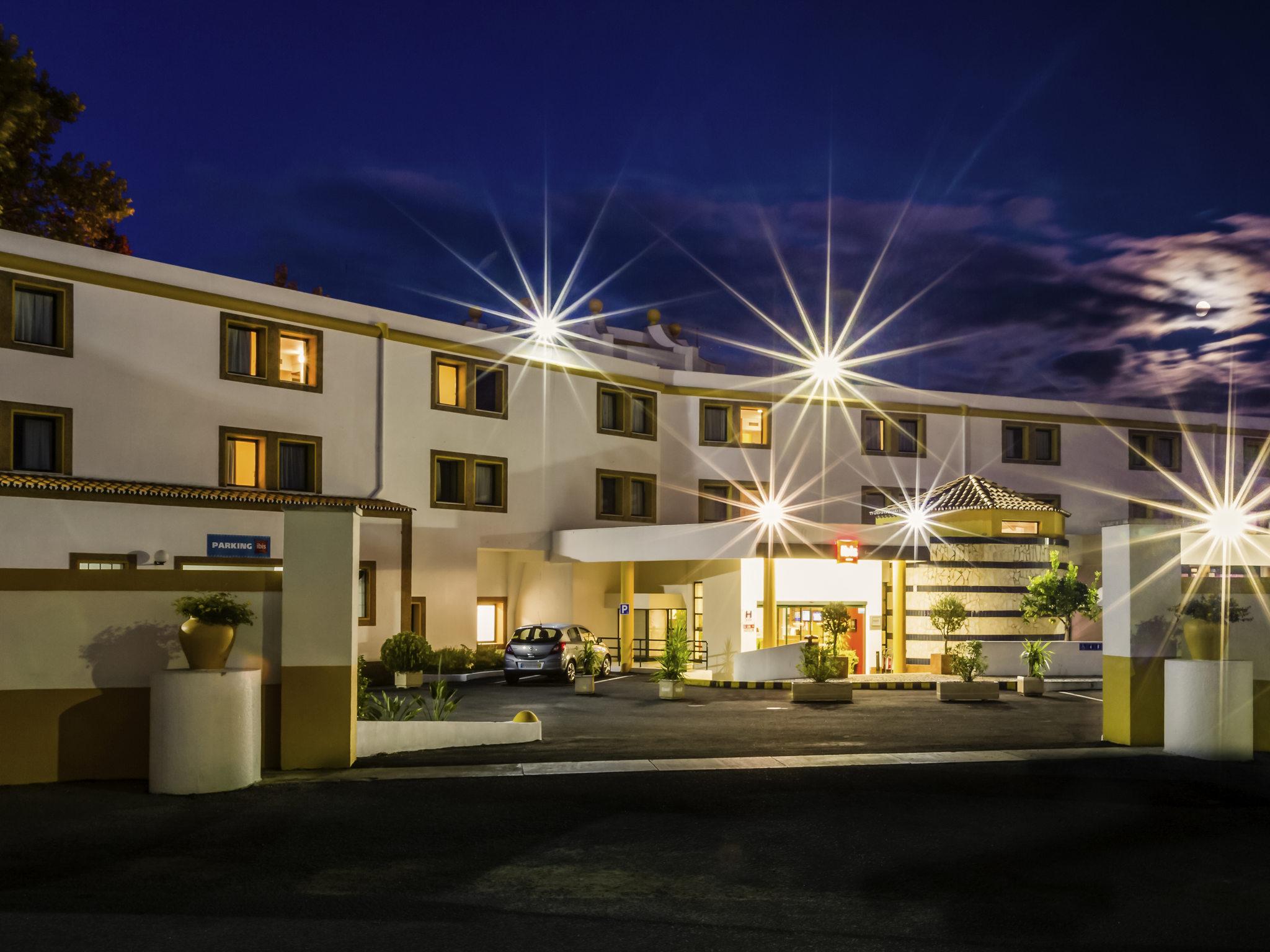 Отель — ibis Evora