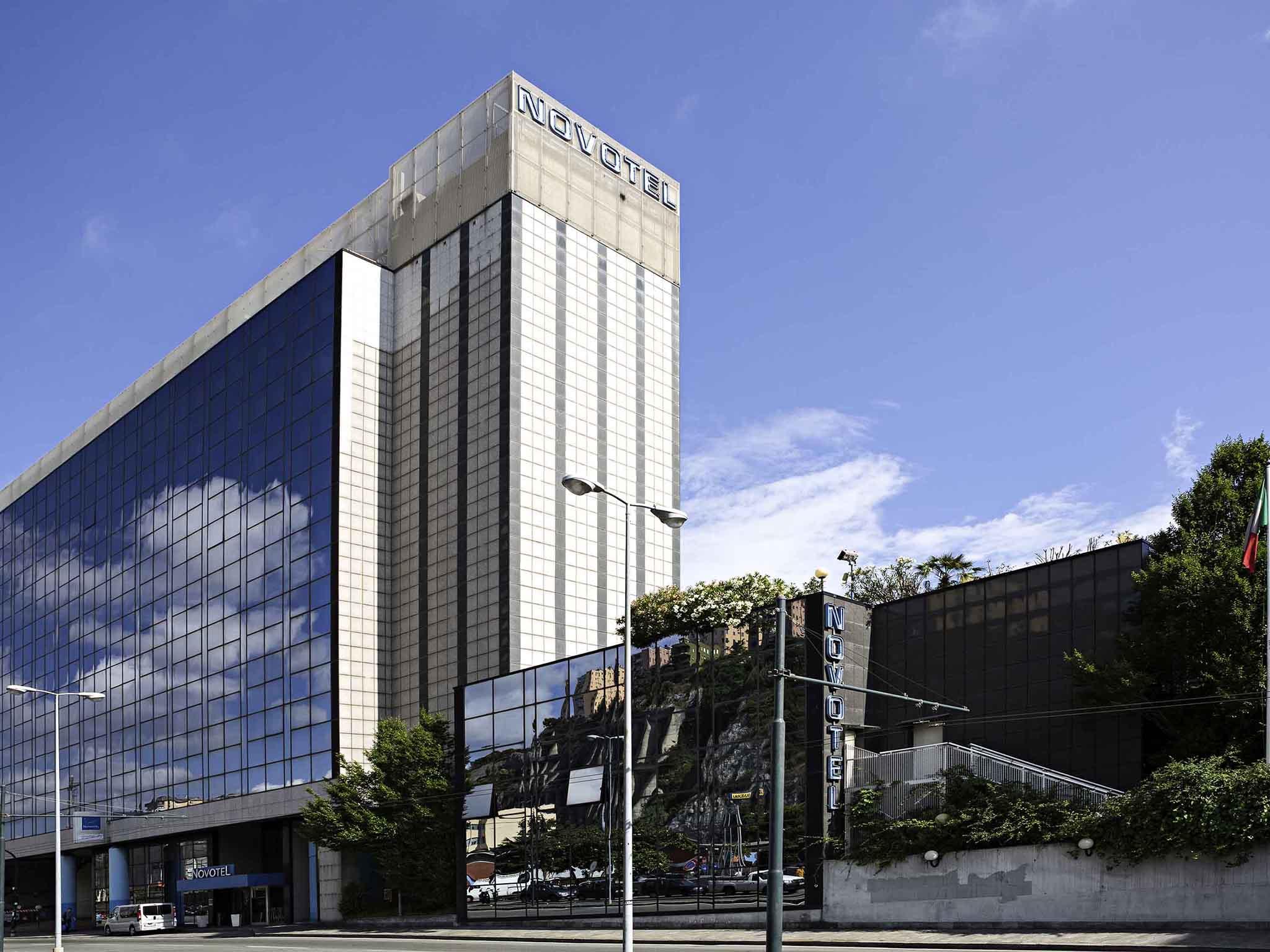 โรงแรม – Novotel Genova City