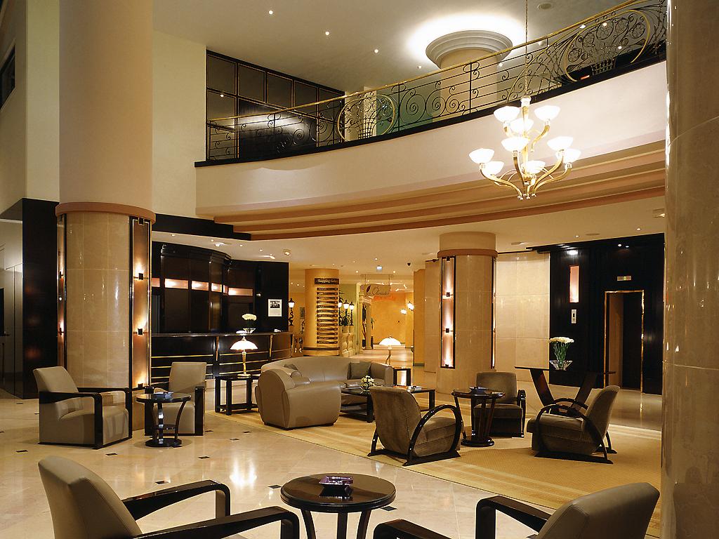 Restaurants bars vinoteca pullman bucharest world for Pullman hotel