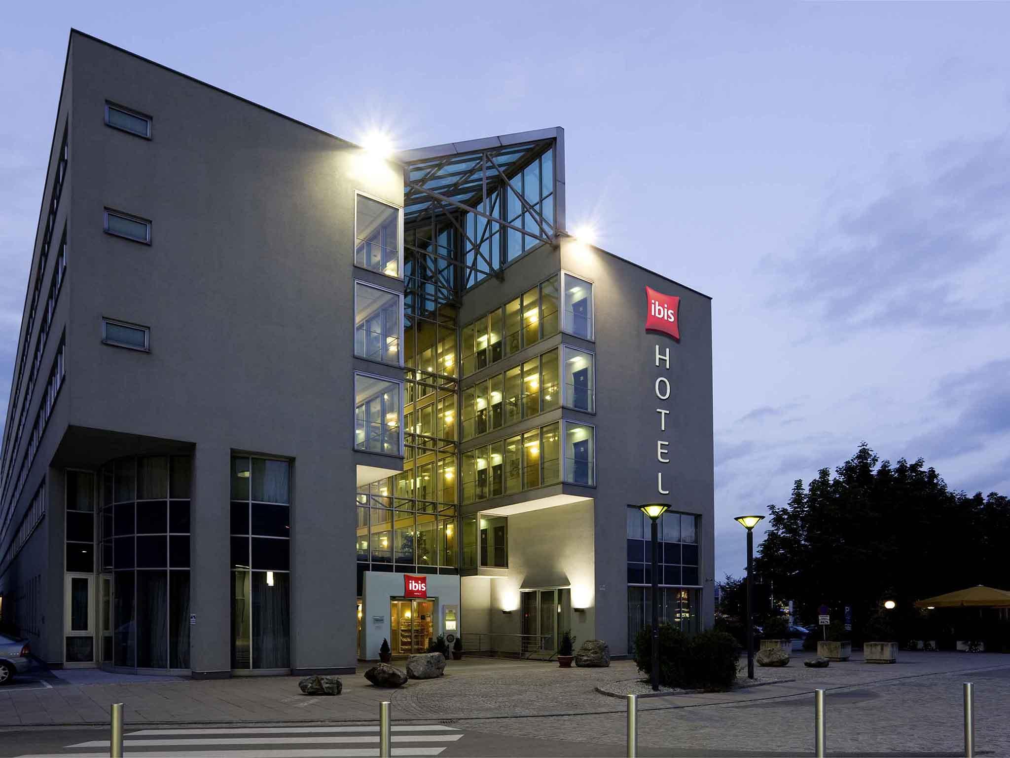 โรงแรม – ibis Linz City