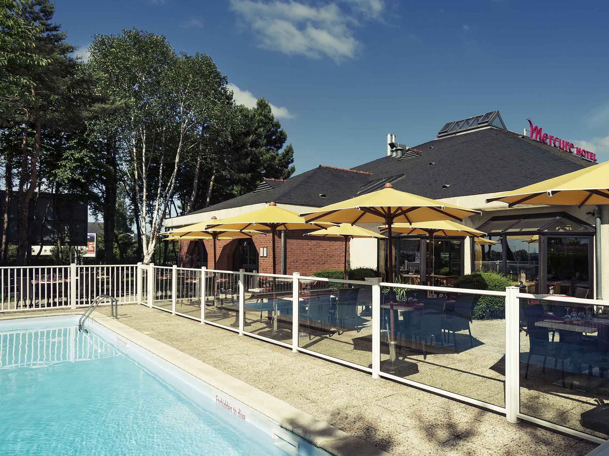Отель — Hôtel Mercure Lisieux Normandie