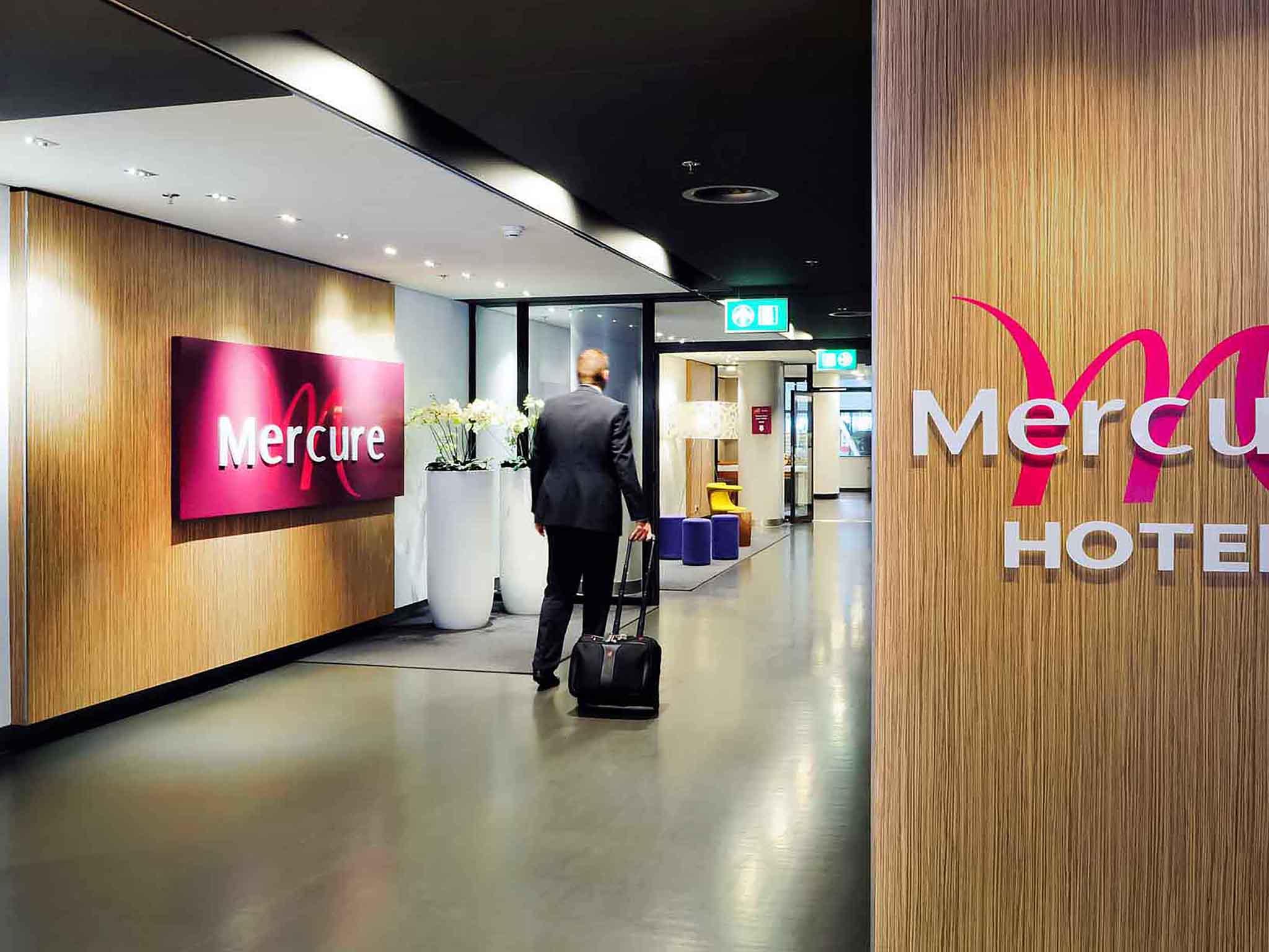 Отель — Mercure Hotel Schiphol Terminal