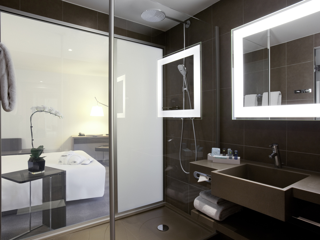 hotel paris novotel paris gare de lyon. Black Bedroom Furniture Sets. Home Design Ideas