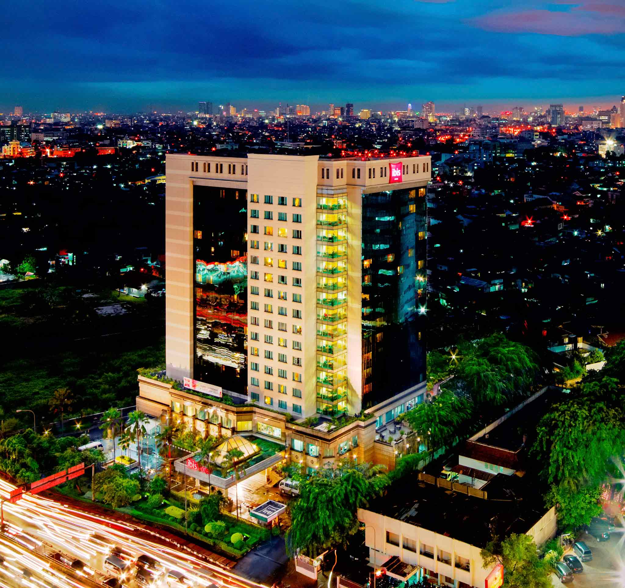 Отель — ibis Jakarta Slipi
