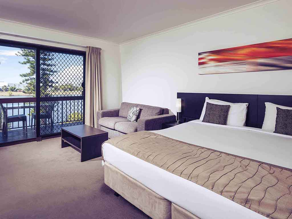 H tel townsville mercure townsville for Chambre queen size