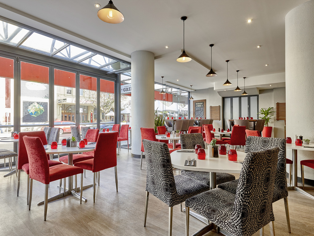 Blue Cow Kitchen And Bar Ibis Perth Accorhotels