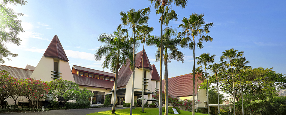 Hotel Surabaya  Novotel Surabaya Hotel & Suites. Skodsborg Kurhotel And Spa. Hotel Potrero De Los Funes. Abenteuerhotel Astoria. The Royal Sea Aquarium Resort. Radisson Blu Plaza Hotel. Das Posthotel Apart And Tirol. Cosmopolitan Hotel. Hotel Capital