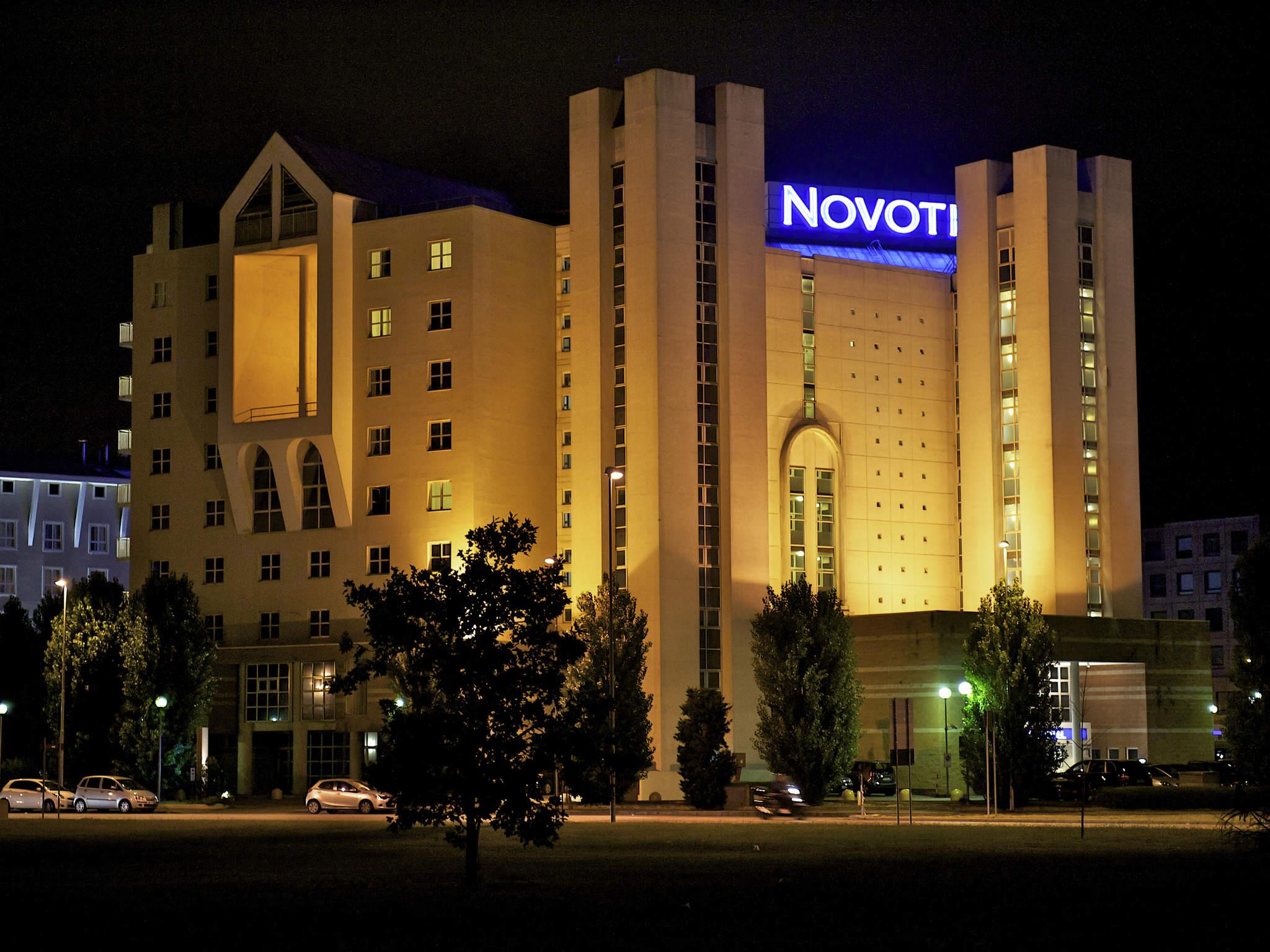 Отель — Novotel Флоренция Север Аэропорт