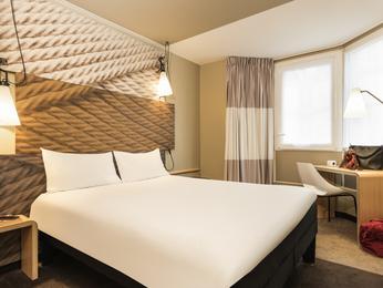 巴黎北站宜必思酒店