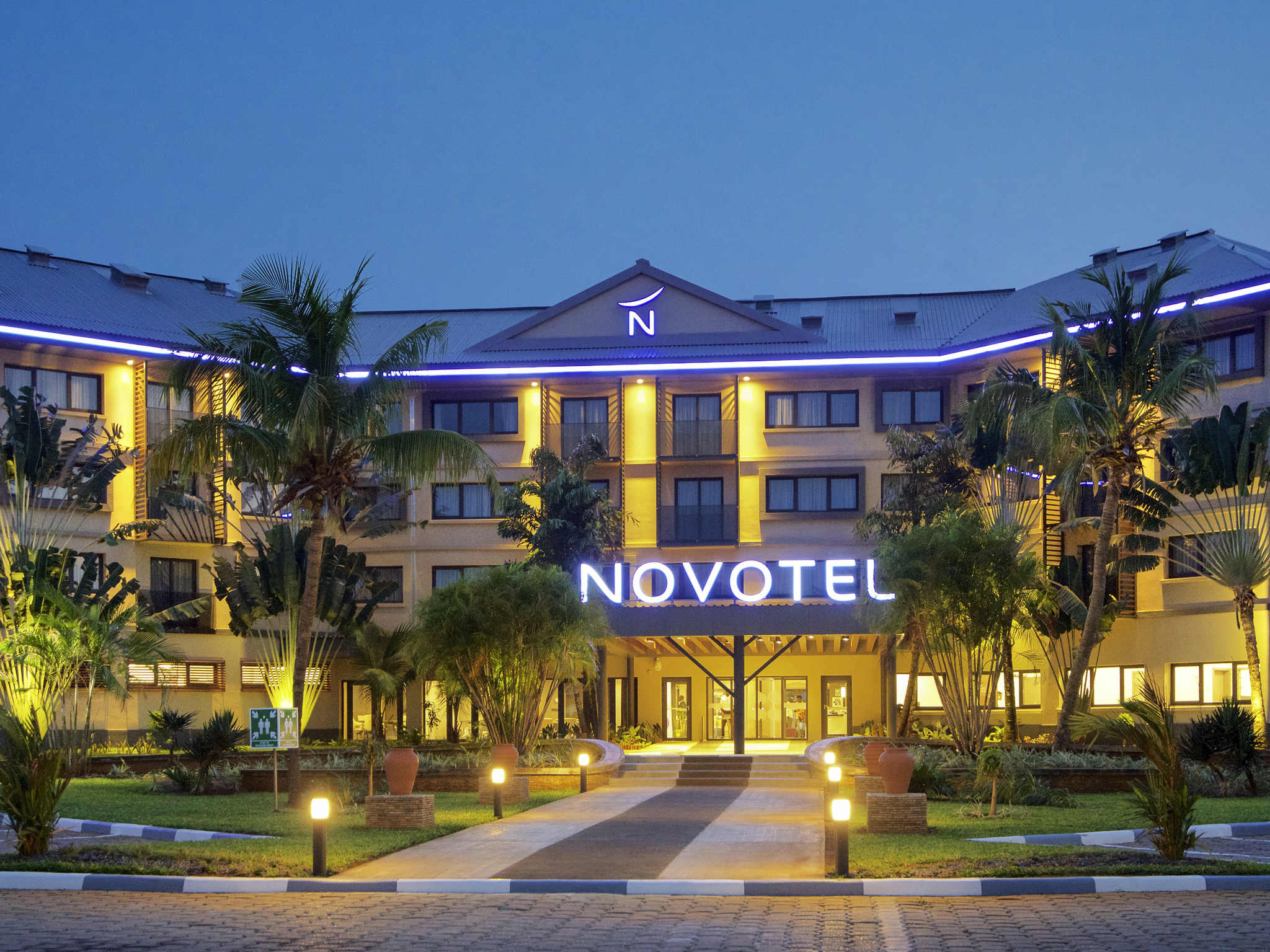 Hotel – Novotel Cotonou Orisha (cerrado por reformas)