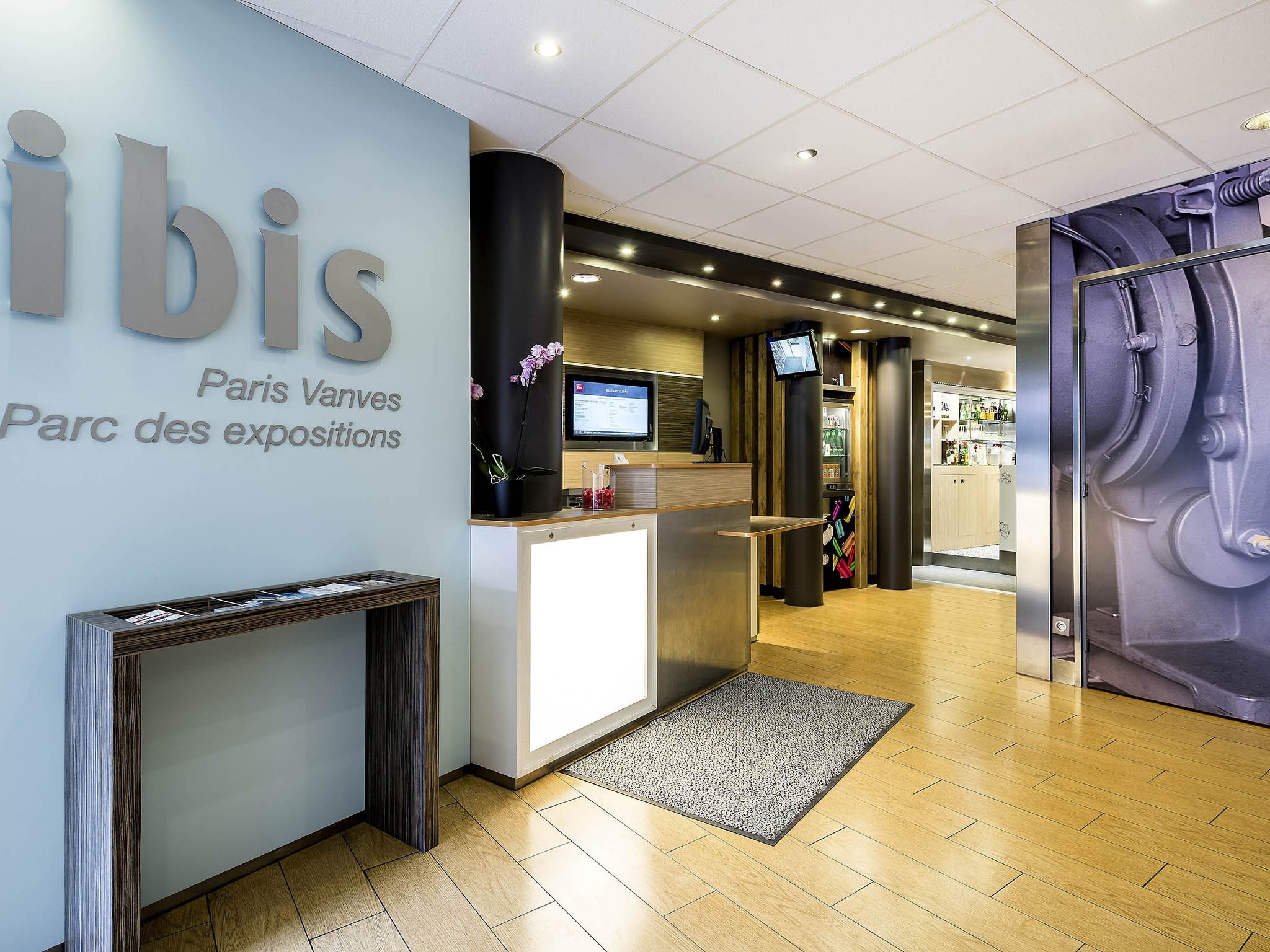Hotel em vanves ibis paris porte de vanves parc des - Ibis porte de versailles parc des expositions ...