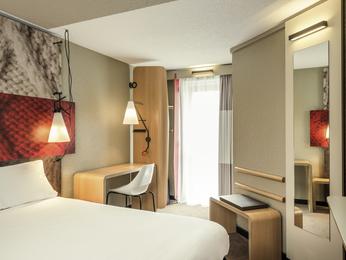 Hotel Pas Cher Paris Ibis Paris Gare Montparnasse 15 232 Me