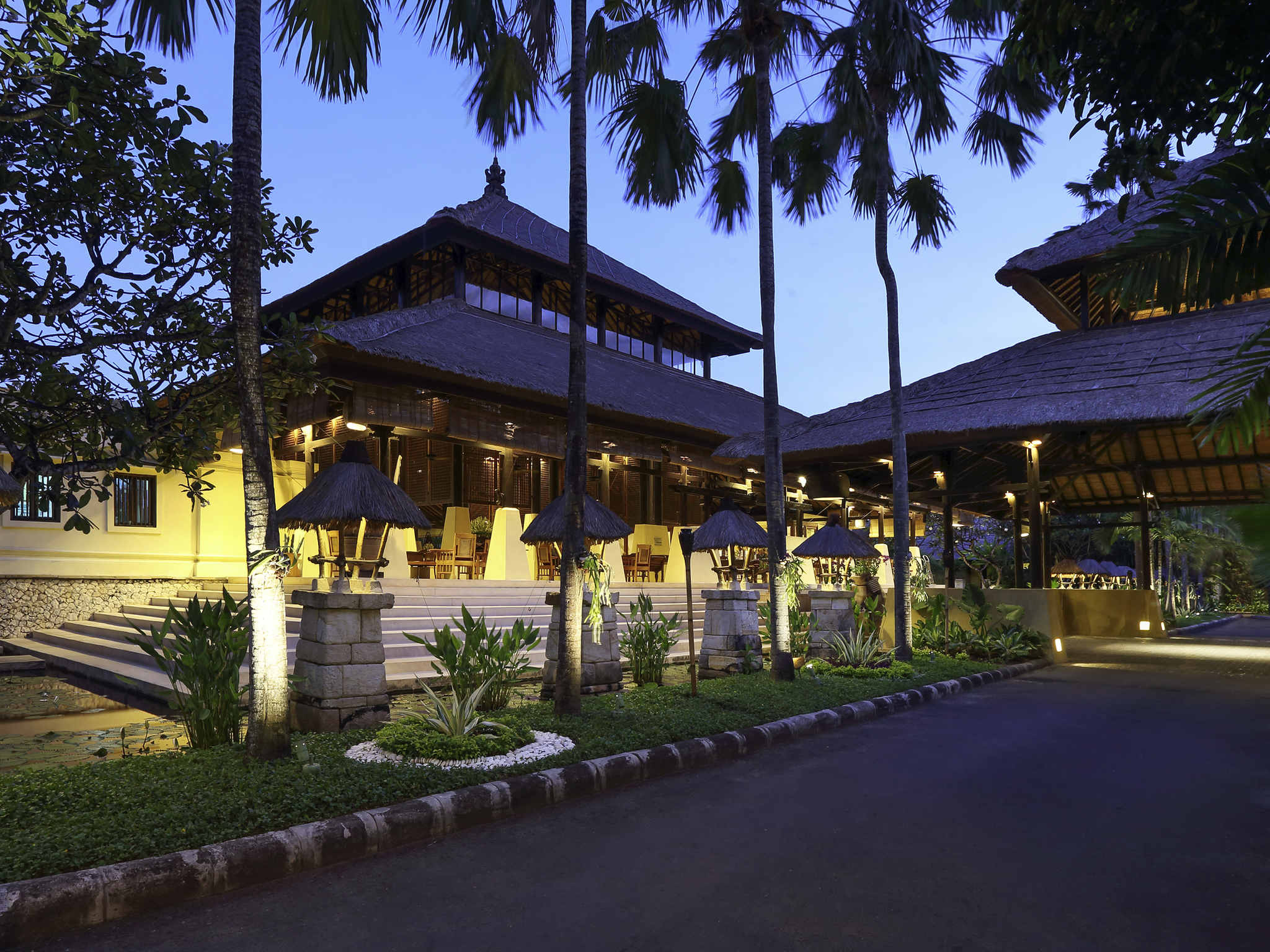Novotel Bali Benoa | Mid-Scale Hotel | AccorHotels
